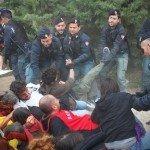 Ancora altra violenza da parte delle forze del (dis)ordine
