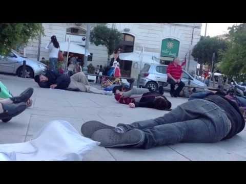 Flash mob a Siracusa in solidarietà dello sciopero di Niscemi
