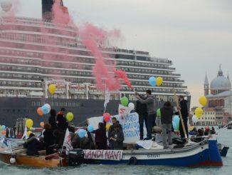 No grandi navi - Manifestazione